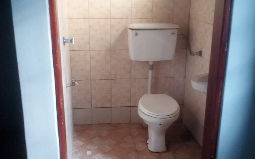 A well self  contained double room at 300000 a month in Kirinya, Bombe.