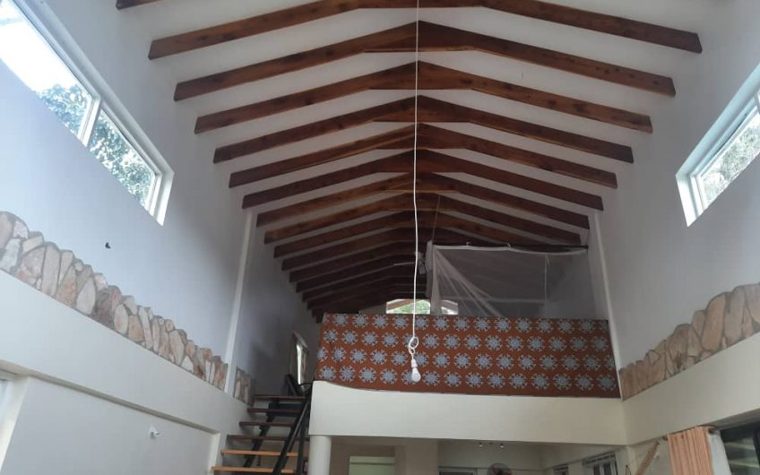 A FANTASTIC MULTI HOME PROPERTY FOR SALE NEAR THE GOLF COURSE IN JINJA