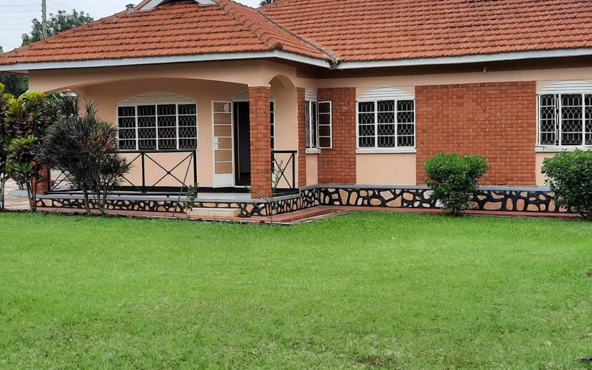Standalone house for rent in Nalya Estate